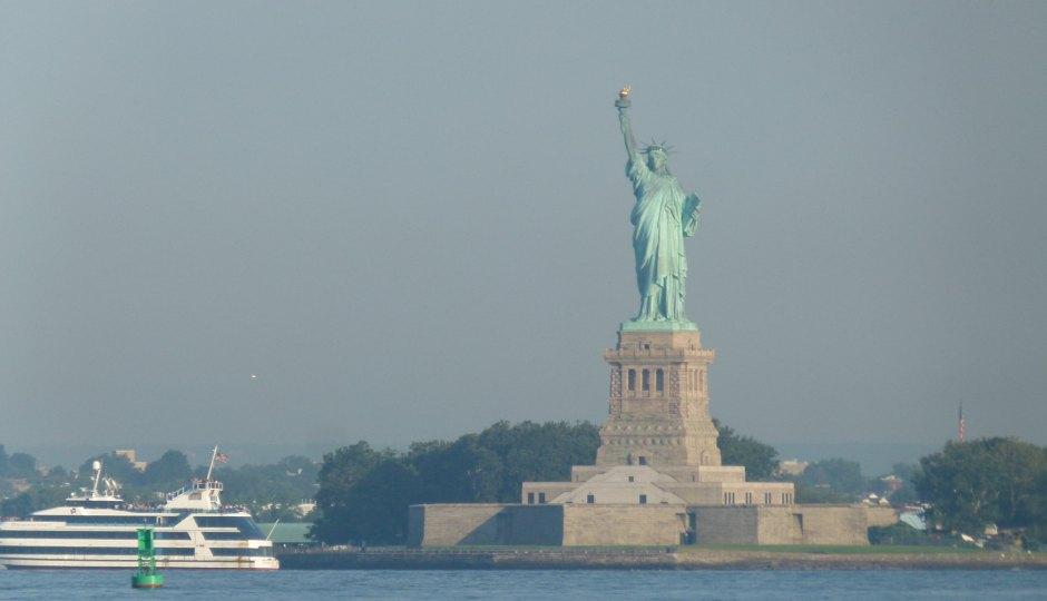 八月のテーマは「ニューヨーク」でお届けします!データのじかん編集部ニューヨーク支部より