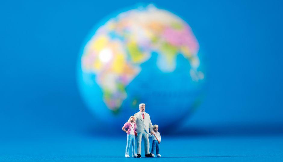 人の平均寿命はこの150年でなんと2倍に!そして乳幼児の死亡率低下だけがその原因ではない、という意外な事実